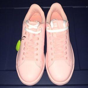 nwob adidas sneakers